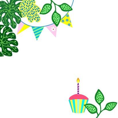 Verjaardagskaart vrolijke luiaard, slingers en planten 2