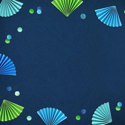 Verjaardagskaart waaiers en confetti blauw 2