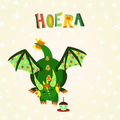 Vrolijke en kleurrijke verjaardagskaart met groene draak 2