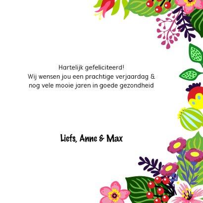 Vrolijke en kleurrijke verjaardagskaart met vosje en bloemen 3