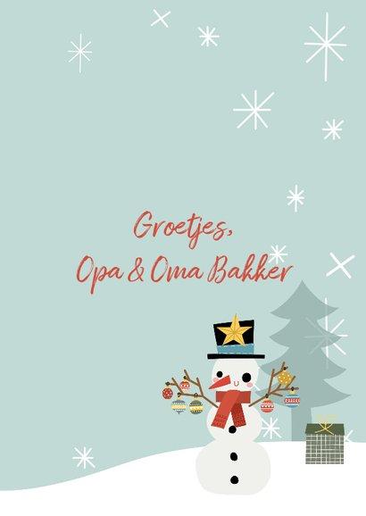 Vrolijke kerstkaart met blije sneeuwpop en typografie 3