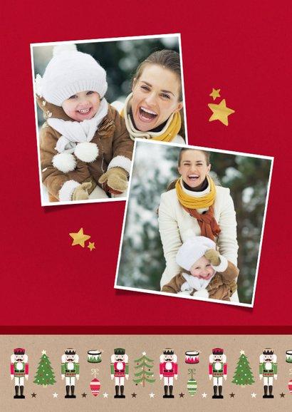 Vrolijke moderne kerstkaart met notenkrakers en eigen foto 2