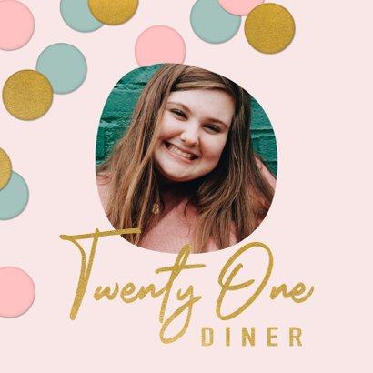 Vrolijke uitnodiging 21 diner confetti, foto en typografie 2
