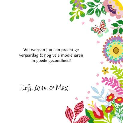 Vrolijke verjaardagskaart met bloemen en vlinders 3
