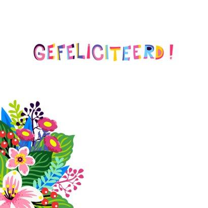 Vrolijke verjaardagskaart met bloemen en vogel 2