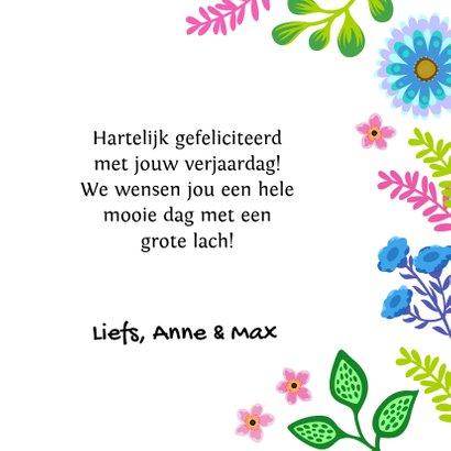 Vrolijke verjaardagskaart met kat, bloemen en planten 3