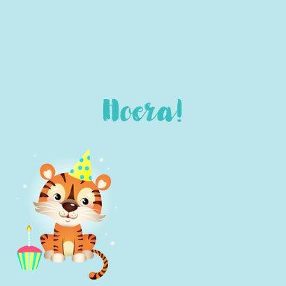 Vrolijke verjaardagskaart met tijger en cupcake  2
