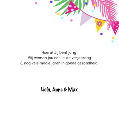 Vrolijke verjaardagskaart met toekans en slingers 3