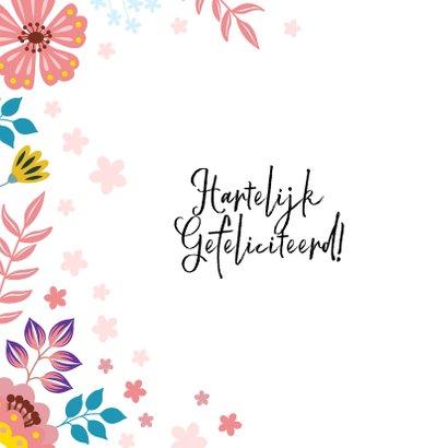 Vrolijke verjaardagskaart met unicorn en bloemen 2
