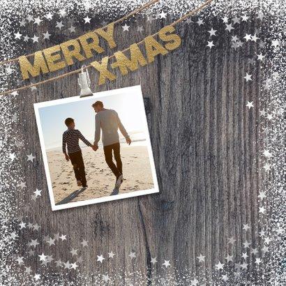 Warme kerstkaart met foto's op hout 2