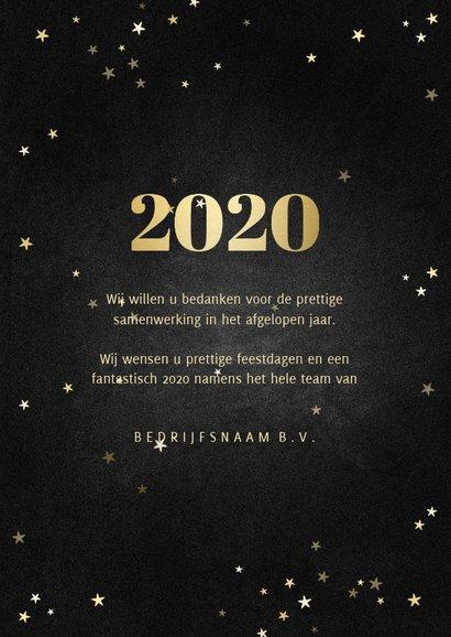 Zakelijke kerstkaart fotocollage met gouden 2020 en sterren 3
