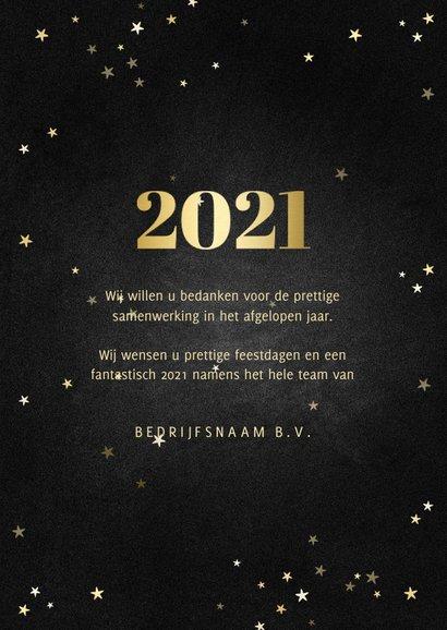 Zakelijke kerstkaart fotocollage met gouden 2021 en sterren 3