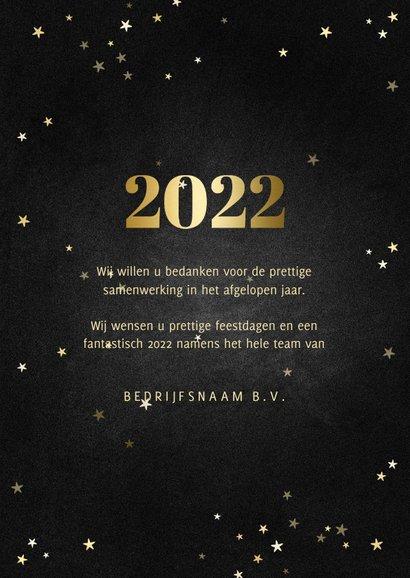 Zakelijke kerstkaart fotocollage met gouden 2022 en sterren 3