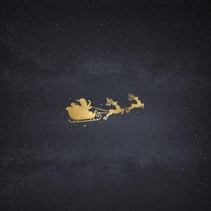 Zakelijke kerstkaart met goud silhouet van kerstman in slee Achterkant
