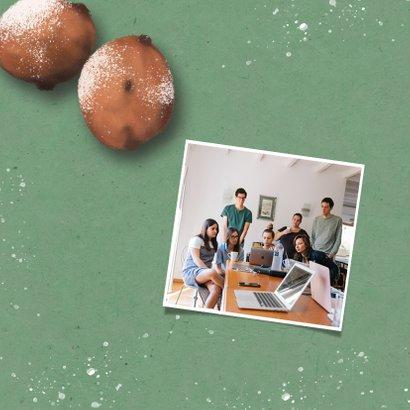 Zakelijke nieuwjaarskaart met oliebollen en rekenmachine 2