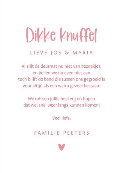 Zomaar kaartje veel liefs roze bloemen foto dikke knuffel 3