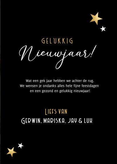 Zwarte staande fotocollage nieuwjaarskaart met 6 foto's 3