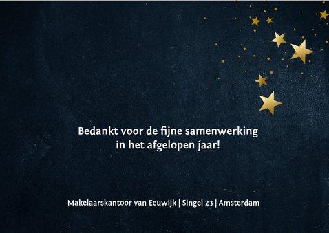 Donkerblauwe nieuwjaarskaart met gouden sterren 3