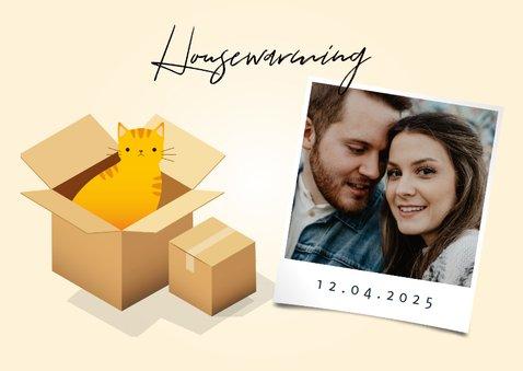Einladung zur Einweihung mit Kartons, Katze und Blumen 2