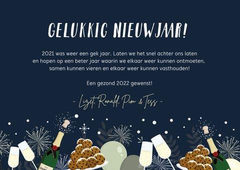 Feestelijke nieuwjaarskaart oliebollen, vuurwerk & champagne 3
