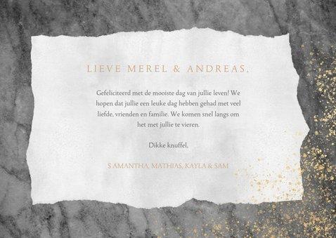 Felicitatiekaart huwelijk met marmer, goud en typografie 3