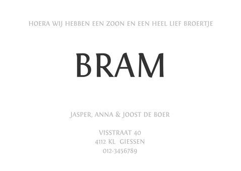 Geboortekaartje eenvoudig zwartwit met letter 3