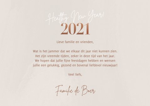 Hippe nieuwjaarskaart foto's healthy new year 2021 op beige 3