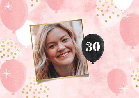 Hippe uitnodiging verjaardag met ballonen en foto's 2