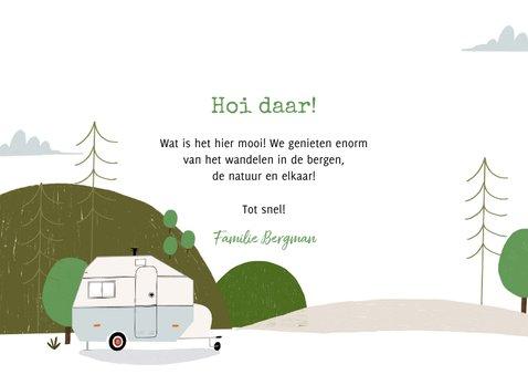 Hippe vakantiekaart kamperen in de bergen en fotocollage 3