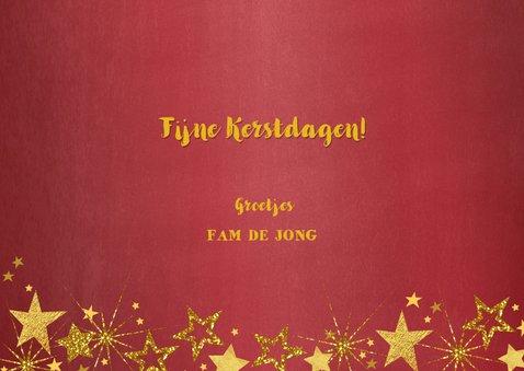 Kerstkaart foto feestelijk rood en gouden sterren 3