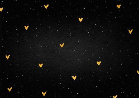 Kerstkaart fotocollage knuffel met sneeuw en gouden hartjes Achterkant