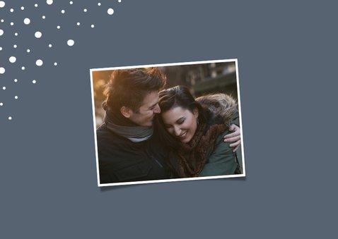 Kerstkaart liggend happy holidays met confetti sneeuwvlokken 2