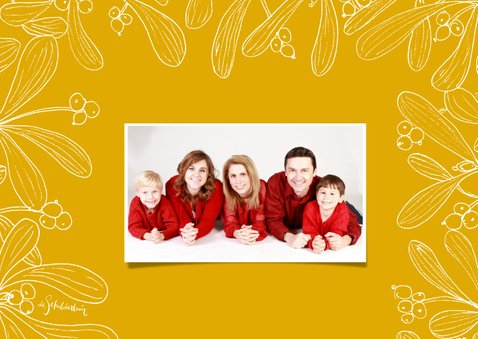 Kerstkaart mistletoe fotokaart met gele achtergrond 2
