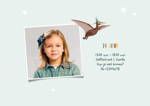 Kindefeestje vrolijk dinosaurus fotokaart triceratops 2