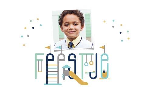 Kinderfeestje speeltuin typografisch uitnodiging jongen 2