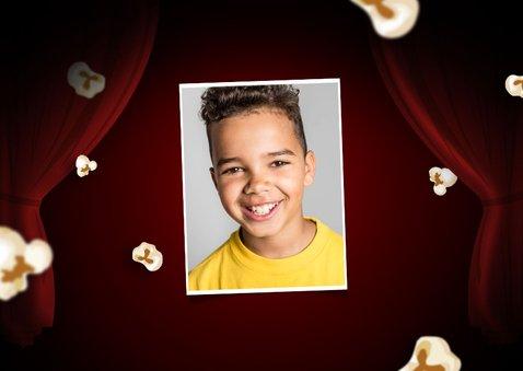 Kinderfeestje uitnodigingskaart bioscoop movie party popcorn 2