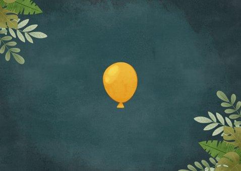 Leuke uitnodiging kinderfeestje met dino, ballon en jungle Achterkant