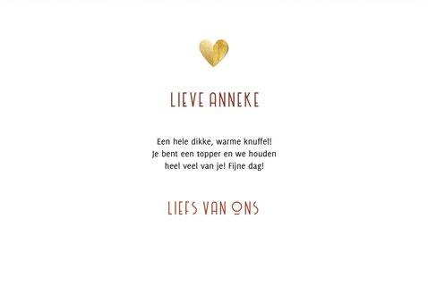 Liefdekaart warme knuffel gouden hart en foto rood 3