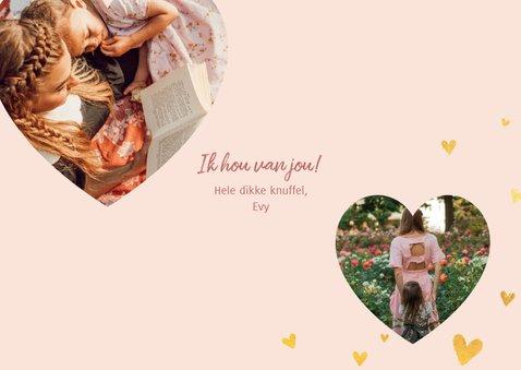 Lieve moederdagkaart met gouden hartjes en foto in hartvorm 3