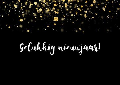Moderne nieuwjaarskaart 2019 fotocollage en gouden confetti 2