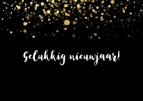 Moderne nieuwjaarskaart 2021 fotocollage en gouden confetti 2