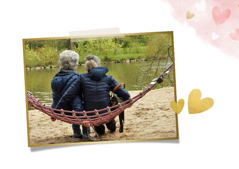 Moederdagkaart waterverf met roze en gouden hartjes 2