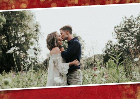 Rode valentijnskaart met gouden confetti, foto en naam 2