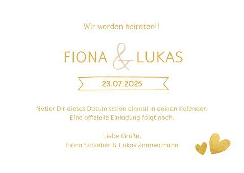 Save-the-Date-Karte zur Hochzeit im Goldlook mit Herzen 3