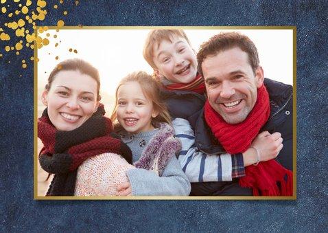 Stijlvolle kerstkaart donkerblauw met goudlook feestdagen 2