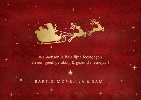Stijlvolle kerstkaart met 2 eigen foto's en gouden arrenslee 3