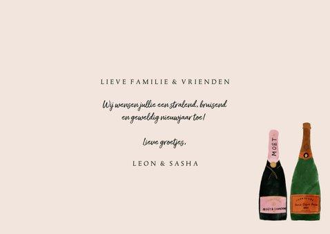 Stijlvolle nieuwjaarskaart met foto en champagneflessen 3