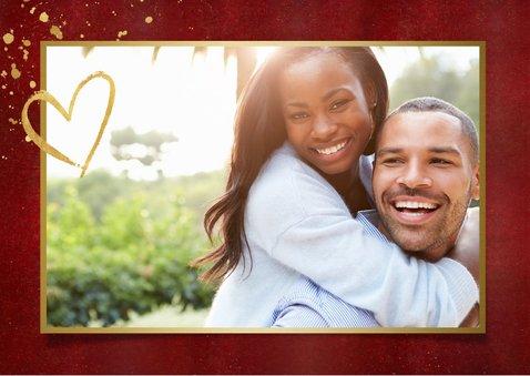Stijlvolle rode valentijnskaart met fotocollage en goud 2