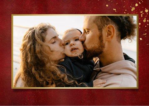 Stijlvolle rood met gouden kerstkaart liggend met eigen foto 2
