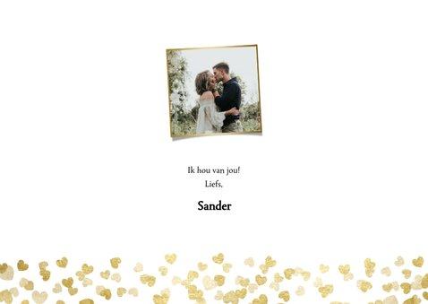 Stijlvolle valentijnskaart  met foto's en gouden hartjes 3